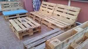 canap en palette en bois génial canapé en palette bois idées de conception de jardin