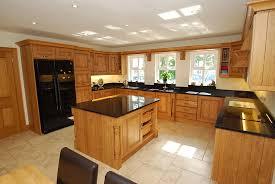maison en bois style americaine une belle cuisine dans votre chalet en bois non classé