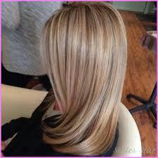 blonde hair with caramel lowlights lowlights in dirty blonde hair stylesstar com