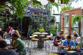Backyard Beer Garden - 5 things to do in bucharest to get the most out of your visit