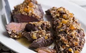 chevreuil cuisine filet de chevreuil en croûte de fruits secs cuisine et recettes