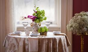 Small Flower Vases Centerpieces Stunning Small Dining Room Decoration Using Round White Dining
