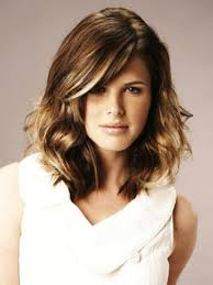 medium length dark brown hairstyles styles for shoulder length thick hair cute medium haircuts for