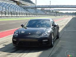 porsche car panamera 2017 porsche panamera is sportier than ever car reviews auto123