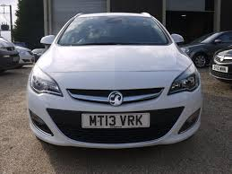 vauxhall white used 2013 vauxhall astra 1 6i se 5 door sports tourer estate in