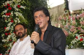 shah rukh khan with rohit shetty celebrating eid at his residence