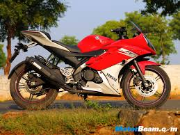cbr 150 cost honda cbr150r vs yamaha r15 v2 quick comparison