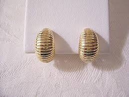 monet shrimp style clip on earrings gold tone vintage ridge lined