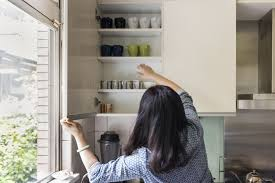 how to remove grease from kitchen cabinets steps to clean and remove grease from kitchen cabinets