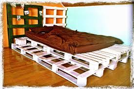 Pallet Bedroom Furniture White Pallet Bed U2022 1001 Pallets