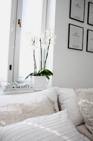 Bedroom Decorating Best 20 White Bedroom Decor Ideas On Pinterest White Bedroom
