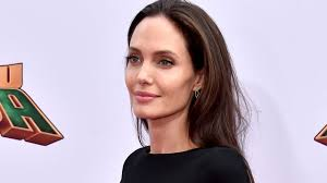 angelina jolie says she didn u0027t envision herself as a mother u0027i