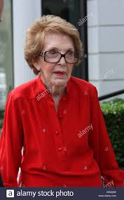former first lady nancy reagan leaving jessica nail salon los
