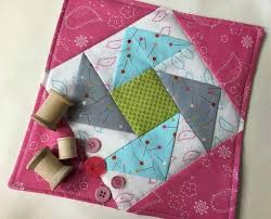 free patterns quilted potholders 705 best mug rugs potholders images on pinterest quilt patterns
