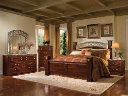 beautiful interior traditional bedrooms design idea with wooden