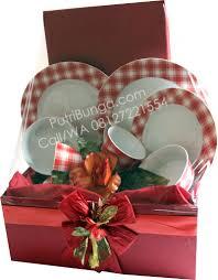 Jual Keranjang Parcel Pontianak jual parcel lebaran dinner plate di jatibening baru kec pondok gede