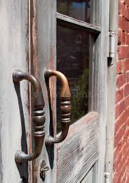 maniglie porte antiche maniglie di porta antiche sulle porte della lastra di vetro di