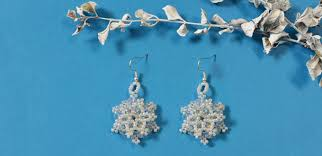 how to make beaded snowflake earrings with glass and pearl