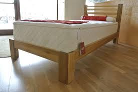 letto a legno massello letto in legno massello artigianale su misura baistrocchi mobili
