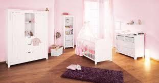 chambre bébé avec lit évolutif pinolino chambre bébé lit commode large lit et commode bébé