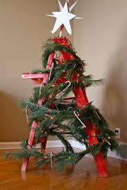 Wohnzimmer Winterlich Dekorieren Wie Sie Eine Leiter Weihnachtlich Dekorieren Können Rustikale