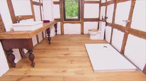 badezimmer mit holz so klappt es mit holz im badezimmer wohnen verbraucher wdr