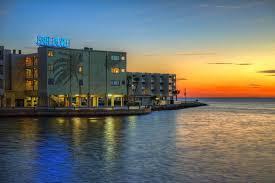 2 Bedroom Suites In Tampa Florida Book Sailport Waterfront Suites In Tampa Hotels Com