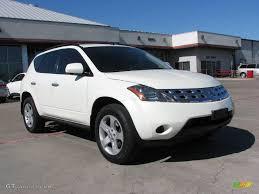 Car Picker White Nissan Murano
