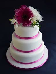 plain wedding cakes plain iced wedding cakes
