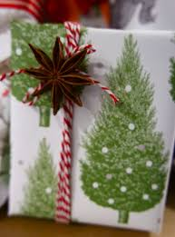 christmas wrap how to gift wrap like a pro yes