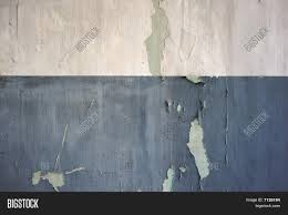 Two Tone Walls Flaking Two Tone Painted Wall Texture Stock Photo U0026 Stock Images