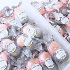 Salt Water Taffy Wedding Favor Shiawase Days A Photo Blog Of Charming Desserts Delightful Eats