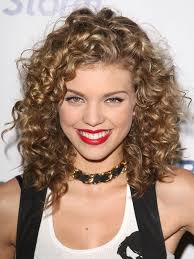same haircut straight and curly how to keep curly hair in great shape despite the hot weather