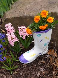 how to make a flower pot out of a recycled rubber boot feltmagnet
