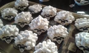 antjie die rooibruin hen shaun sheep cupcakes