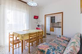 Wohnzimmerm El Ums Eck Villa Graziano Italien Bibione Booking Com