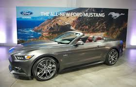 new features for 2015 ford mustang convertible with photos