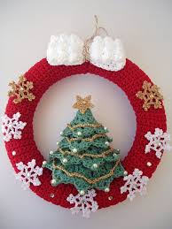 Christmas Tree Wreath Form - the 25 best crochet wreath ideas on pinterest crochet ornaments