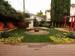 Diy Backyard Makeover Contest by Diy Yard Makeover Front Before And After With Drought Photo On