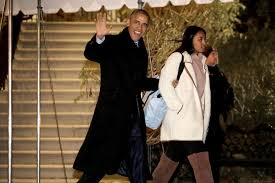 the obama family flying to hawaii dec 2016 popsugar