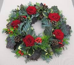 Make Your Own Christmas Centerpiece - best 25 xmas flowers ideas on pinterest christmas flowers