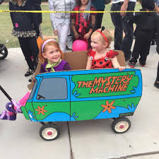 Daphne Halloween Costumes Daphne Friend Lady Bug Mystery Machine Wagon