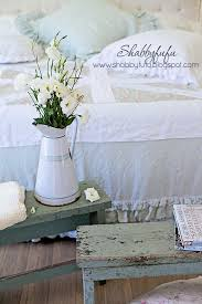 Shabby Chic Decorating Blogs by Benches In The Bedroom Shabby Chic Style Shabbyfufu