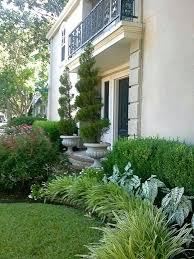 Florida Backyard Landscaping Ideas by Best 25 Foundation Planting Ideas On Pinterest Front Flower