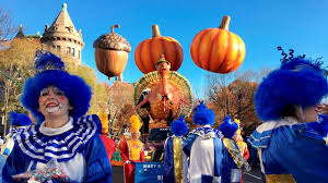 macy s thanksgiving day parade draws spectators from around the