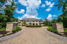 1160 hampton court crown point in munster in homes for sale
