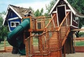 Coolest Tree House Goes To