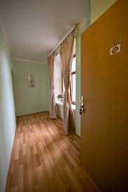 Laminate Floor On Ceiling Accommodation Amphone Eu