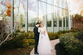 wedding planner seattle modern black white and gold wedding at chihuly garden and glass