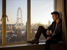 jeremy irvine a young workaholic with great expectations the